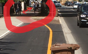 """Zustand nach """"protected bike lane"""": Radfahrer und Fußgänger auf Konfrontationskurs…"""